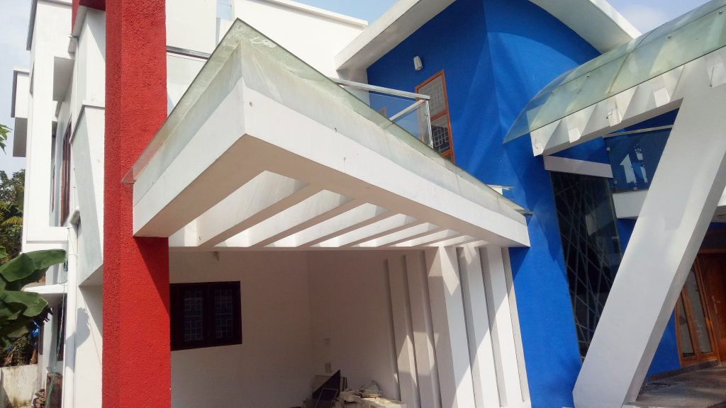Triangle shaped glass pergola roof