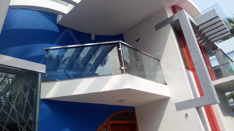 Projected pergola roofing balcony